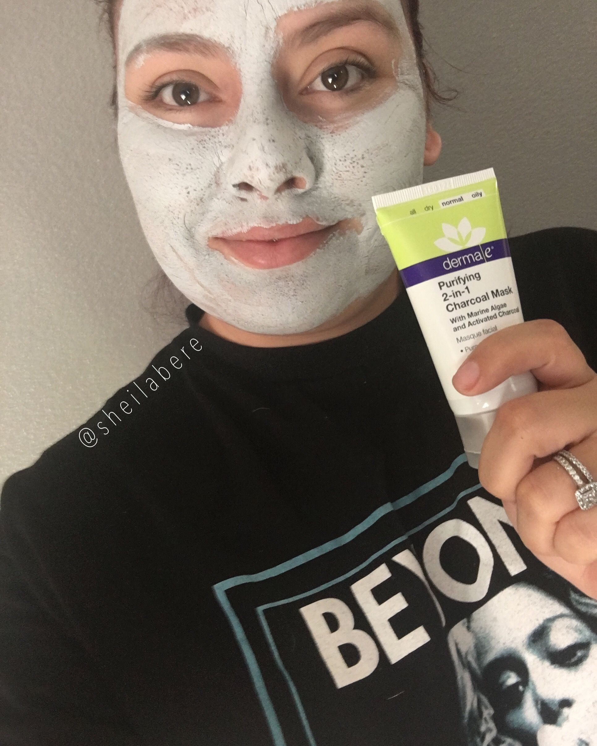 Day 68 • Dia 68Day 68! I have been OBSESSED with all the products @dermae sent me! Just as OBSESSED as I have been with my @beyonce t-shirt! That says a LOT hahaha. Can't wait to do a review on all the products for you!  Dia 68! Estado OBSESIONADA codo todos lod productos que @dermae me mando! Igual de OBSESIONADA como mi playera de @beyonce ! Eso quiere decir MUCHO jajaja. Esten pendientes de la reseña que les voy hacer sobre los productos!