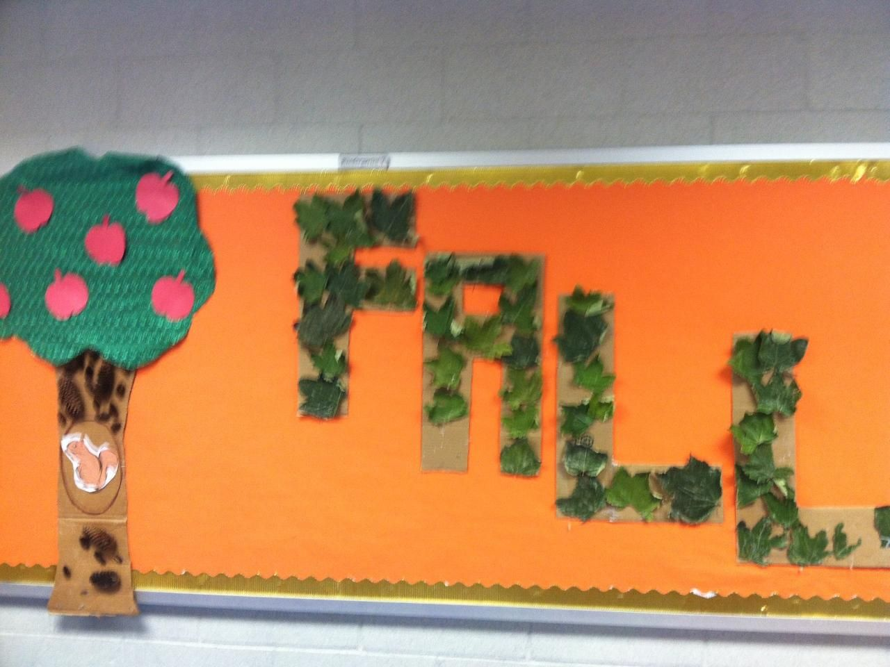 Fall Bulletin Board The Leaves Were Painted With Glue A