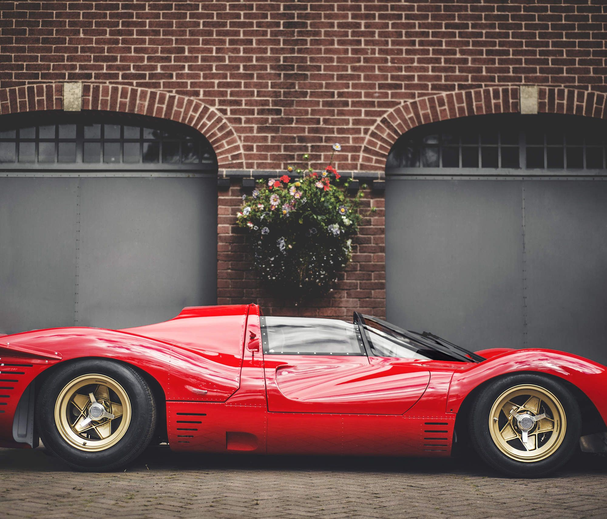 Superb Ferrari 330 P4 Its Shape Would Spawn A Dozen Imitators, But None Could  Match The