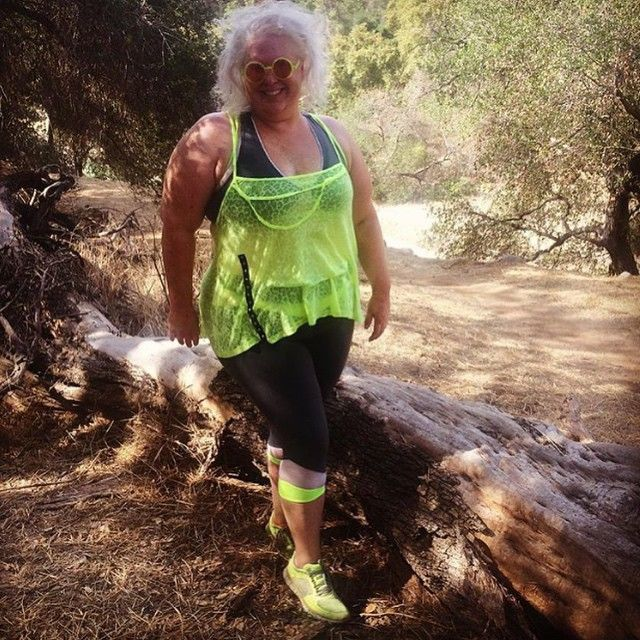 We love #curvygirls who workout! @unitedstatesofla is brightening up the hiking trail in her neon athletic garb! Get it girl!