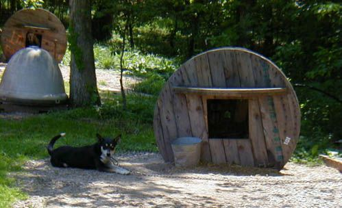 Make A Dog House For Your Pooch Out Of An Industrial Wooden Spool