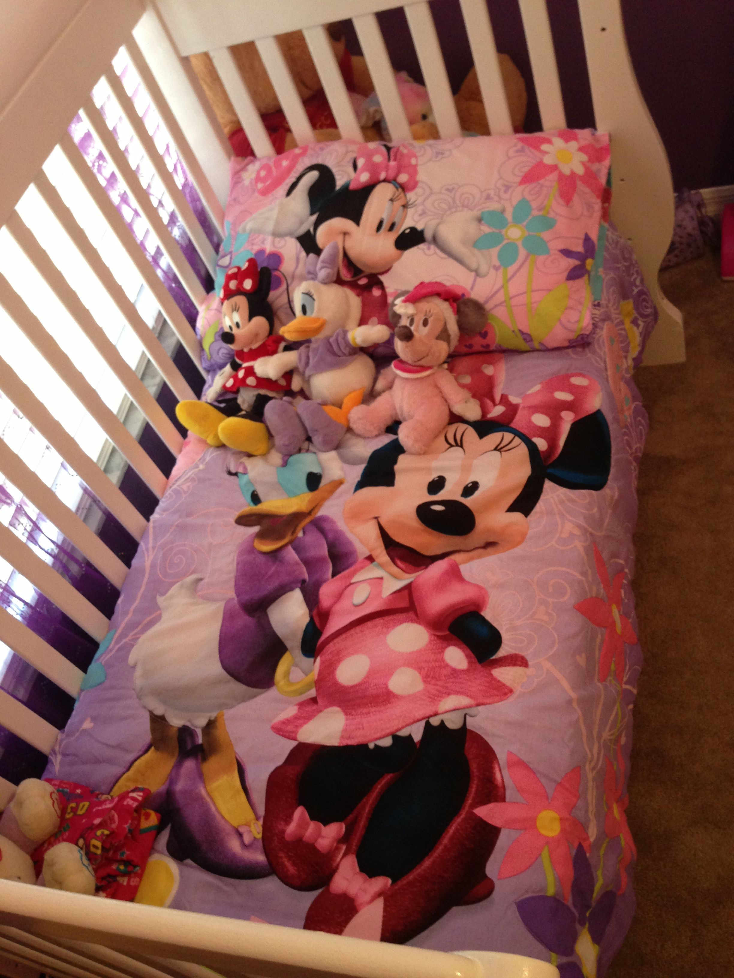 Toddler Bedding Set Minnie Mouse Bow Tique W Daisy Duck Too Cute