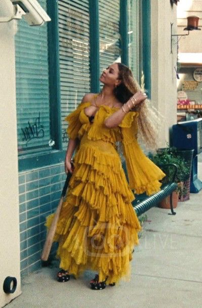 Beyonce Knowles Carter And Jay Z Hold Up Dress Style