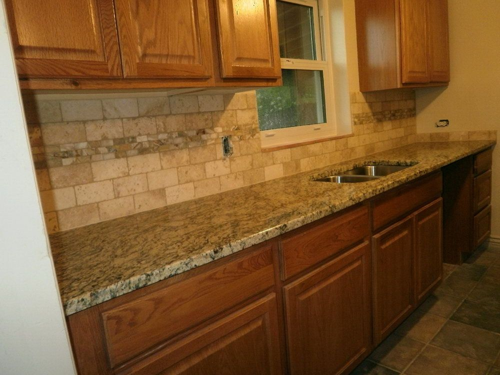 kitchen tile backsplash ideas with granite countertops jpg 1000 751 rh pinterest com Kitchen Backsplash Ideas with Black Granite Countertops Brown Granite Countertops