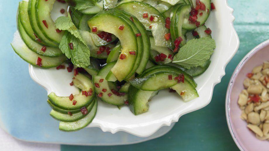 thai gurkensalat rezept thail ndisch kochen pinterest gurkensalat salat und thai. Black Bedroom Furniture Sets. Home Design Ideas