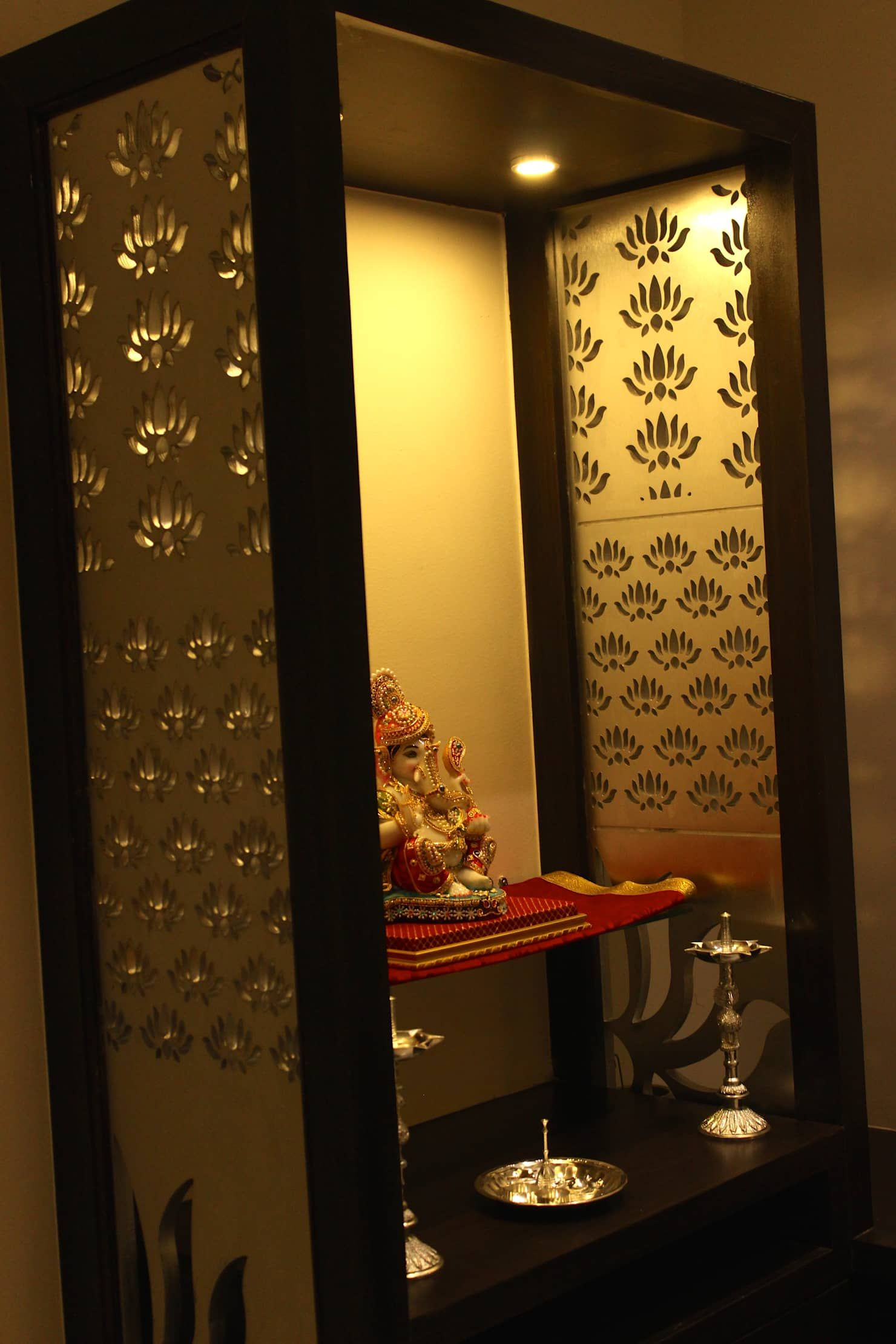 Mystic Moods,pune Modern Dining Room By H Interior Design