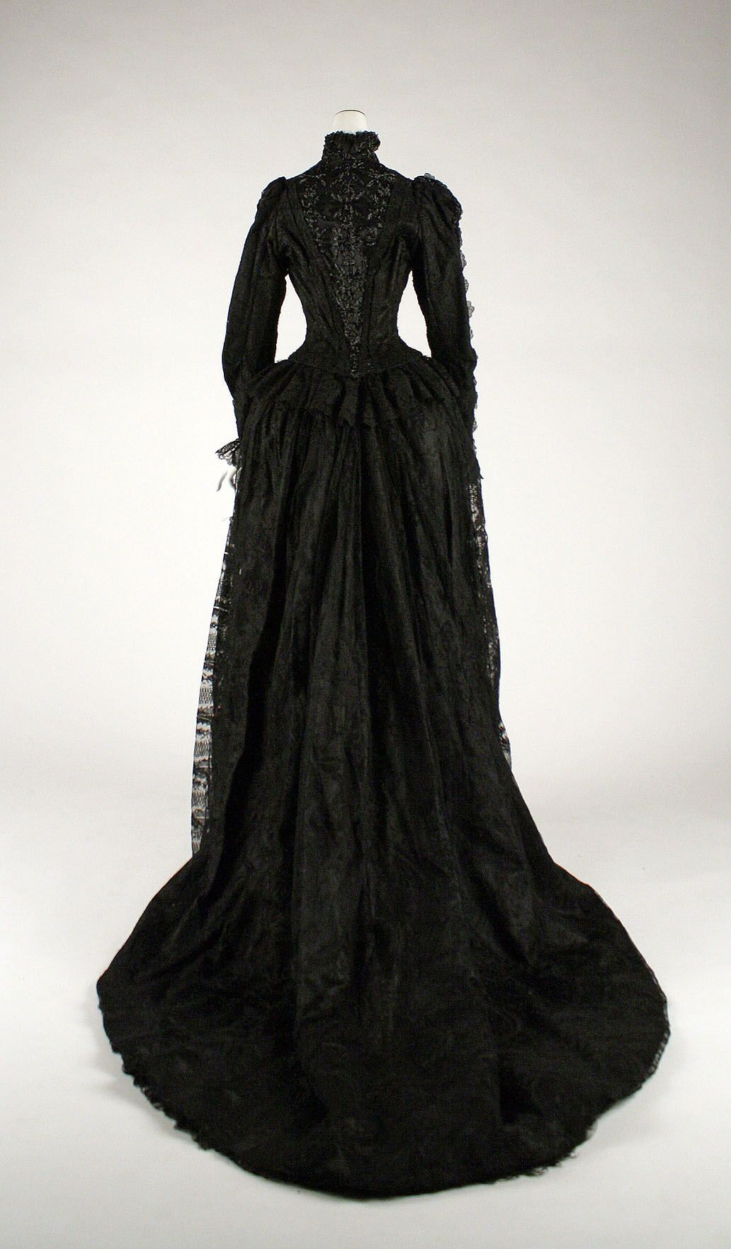 Wikivictorian On Twitter Historical Dresses Victorian Fashion Vintage Dresses [ 1762 x 1032 Pixel ]
