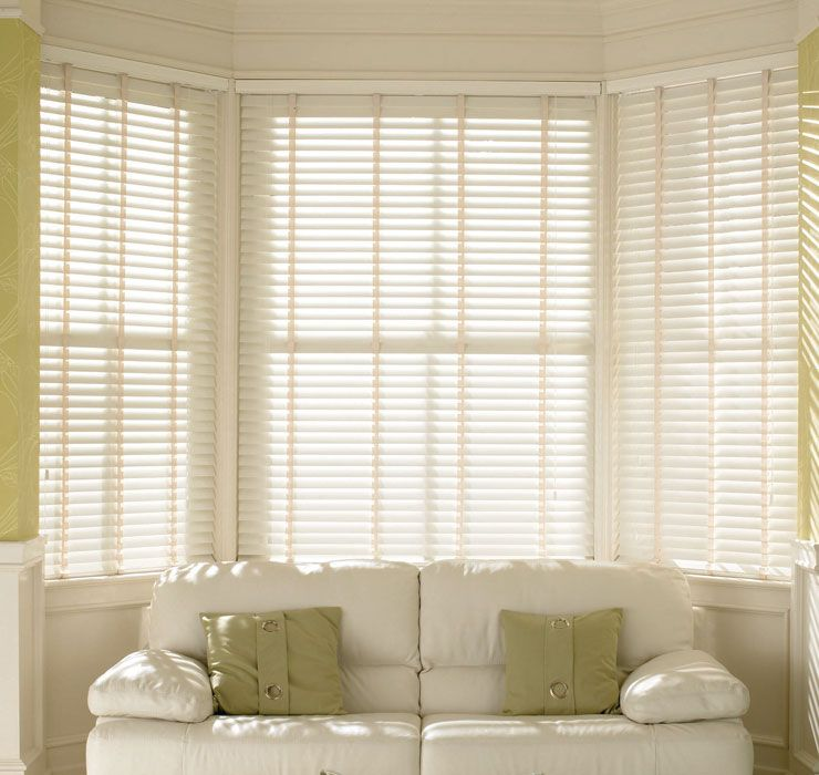 Com Wide Wooden Venetian Blinds We Have A Great Selection Of Made To Measure Wooden Blinds In A Wide Range Of Colours Our Venetian Wooden Blinds Come In