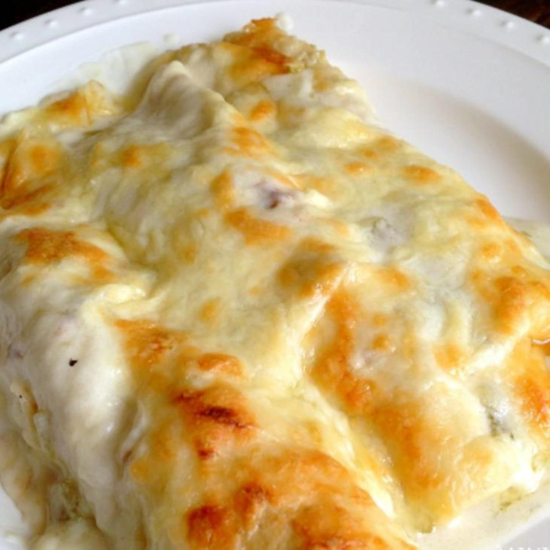 Chicken Enchiladas With Sour Cream White Sauce Recipe White Sauce Recipes Recipes Enchilada Recipes