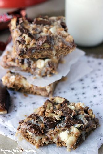The base of the bars is actually made with a box of Spice cake mix, some butter, Biscoff spread and an egg.