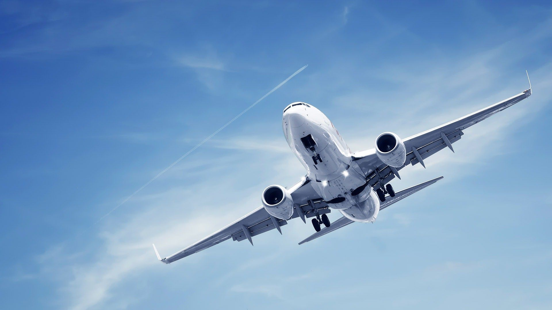 Airplane Preparing For Landing Wide HD Wallpaper