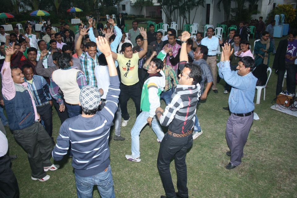 Workers have a blast at Amar Paribar Party organized by Sawansukha Jewellers.