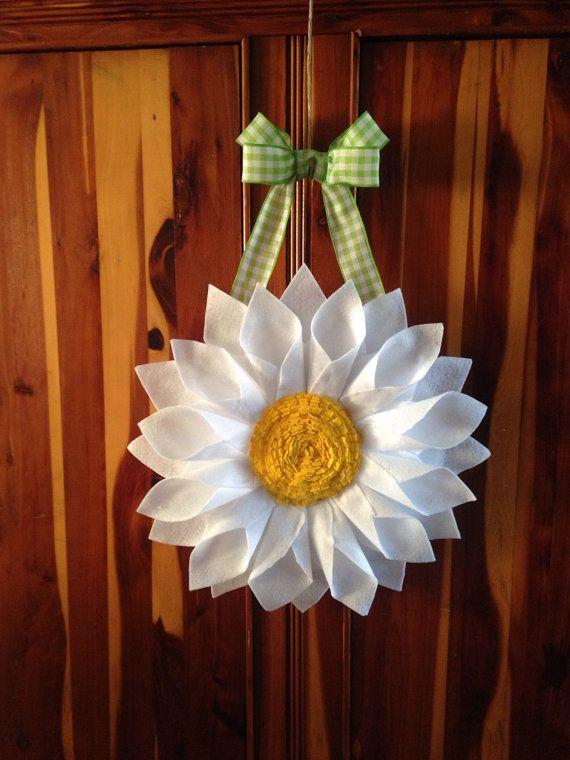 White Daisy Door Hanger Wreath By Bluekoalacrafts On Etsy