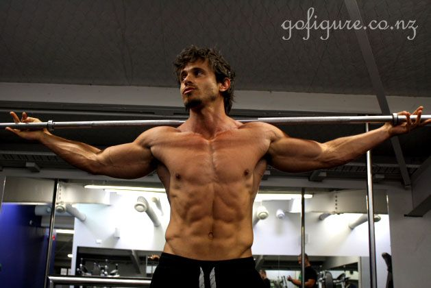 Tyrone Bell Bodybuilder   00-TyroneBbar