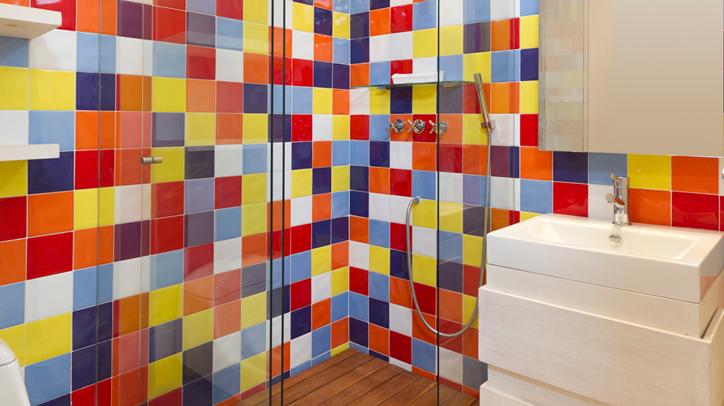 Mueble baño blanco sobre azulejos de color   baños   Pinterest ...