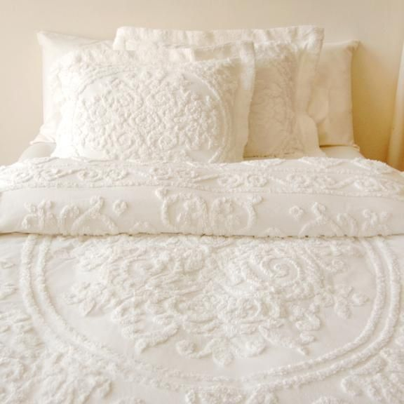 These bedsheets | Home Inspiration. | Pinterest | Bedrooms, Linens ... : white quilt bedding - Adamdwight.com