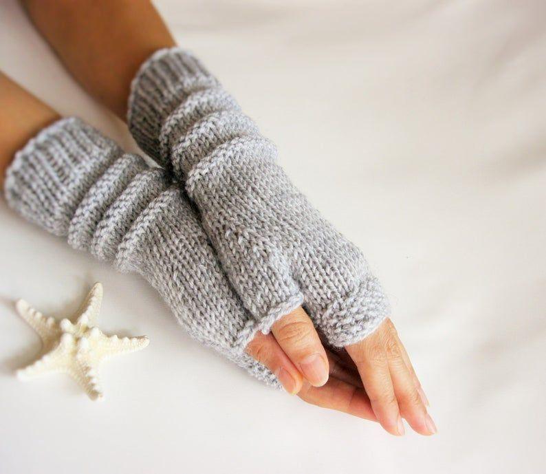 Photo of Graue fingerlose Handschuhe