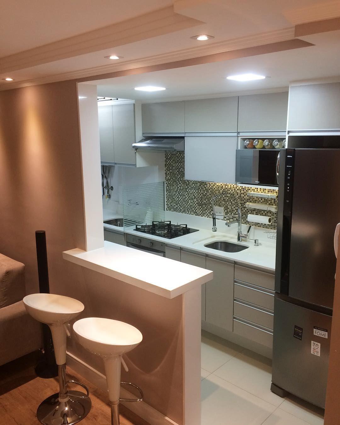 Uma cozinha pequena tamb m pode ser bonita e bem for Cocinas modernas apartamentos pequenos