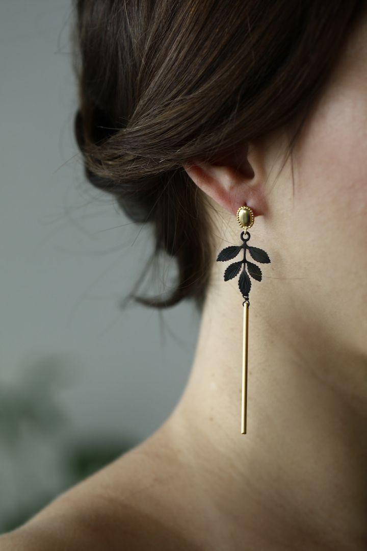 ALANGOO Bazaar - Noir Leaf Earrings ALANGOO.com is a global ...