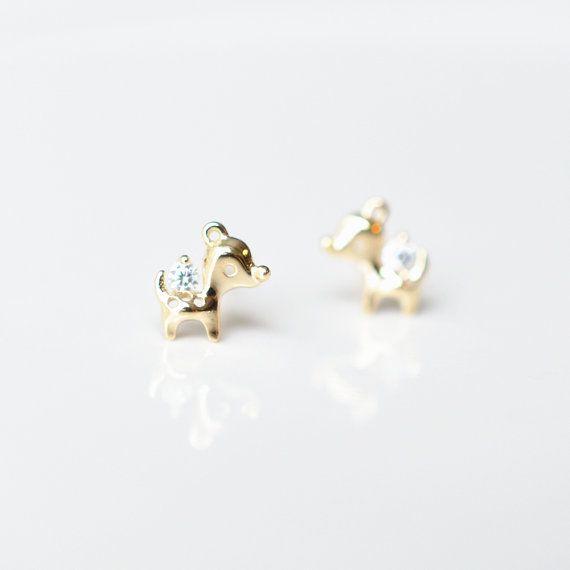14k Gold Stud Earrings Deer Stud Earrings by SundayIslandSweden