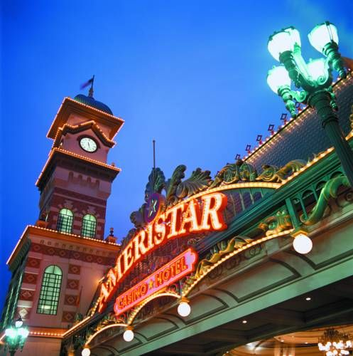 Ameristar Casino Hotel Kansas City Kansas City Missouri Offering An Onsite Casino Restaurant And Bar Ameristar Casino Hotel Casino Hotel Kansas City Kansas