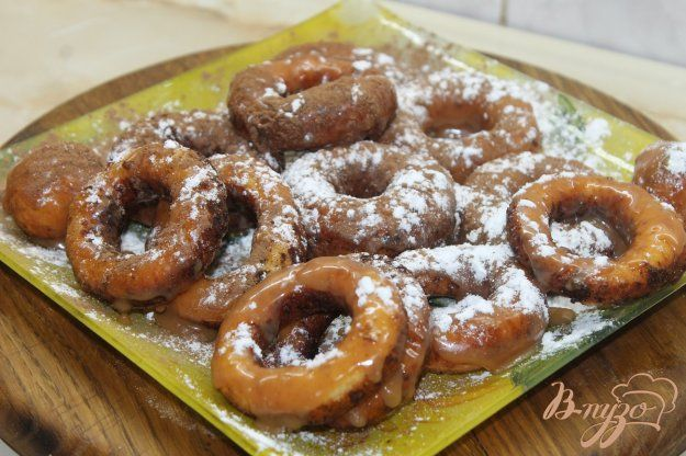 Творожные пончики с вареной сгущенкой и какао - пошаговый ...