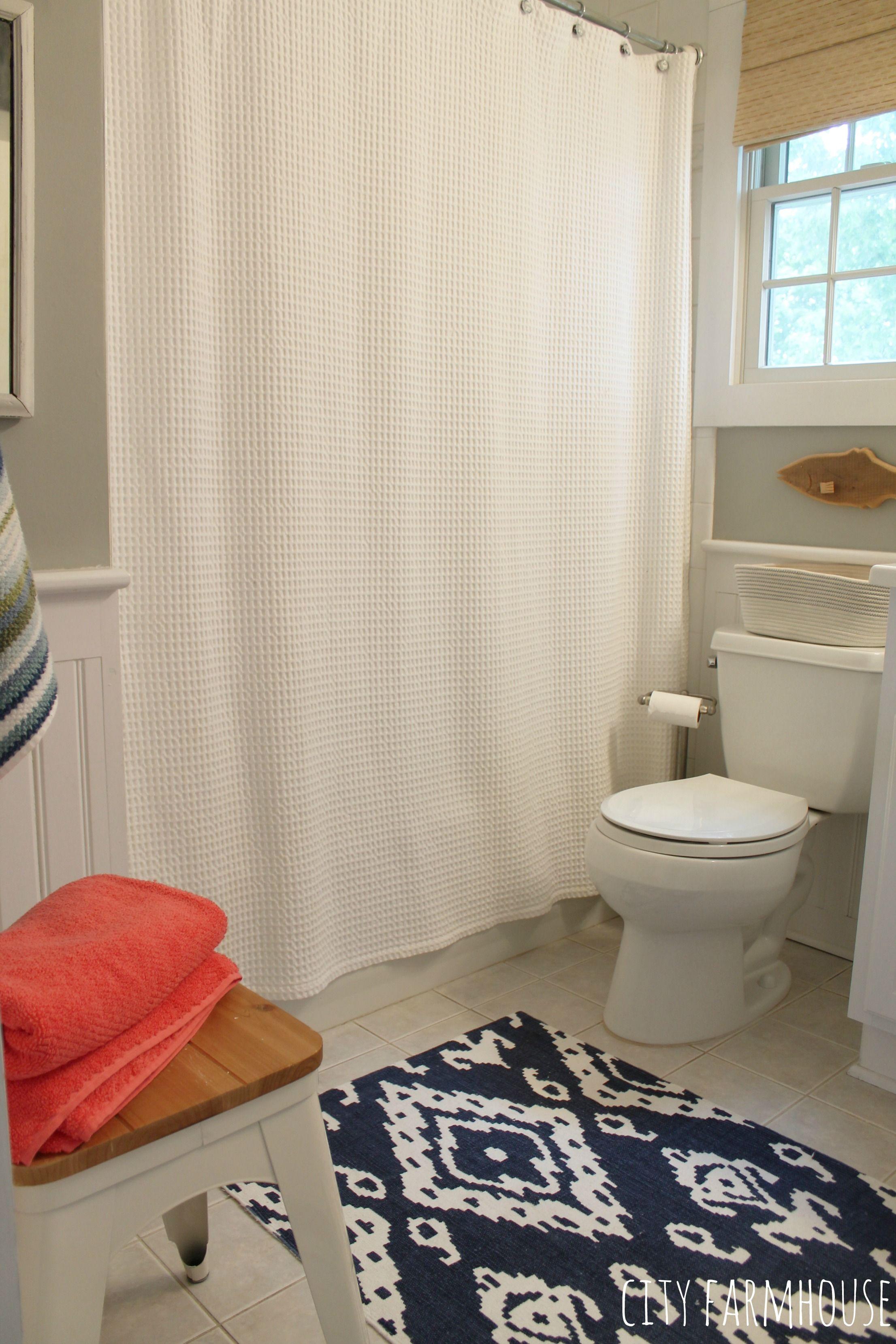 Preppy Coastal Bathroom Makeover Walls Valspar Rope C Navy