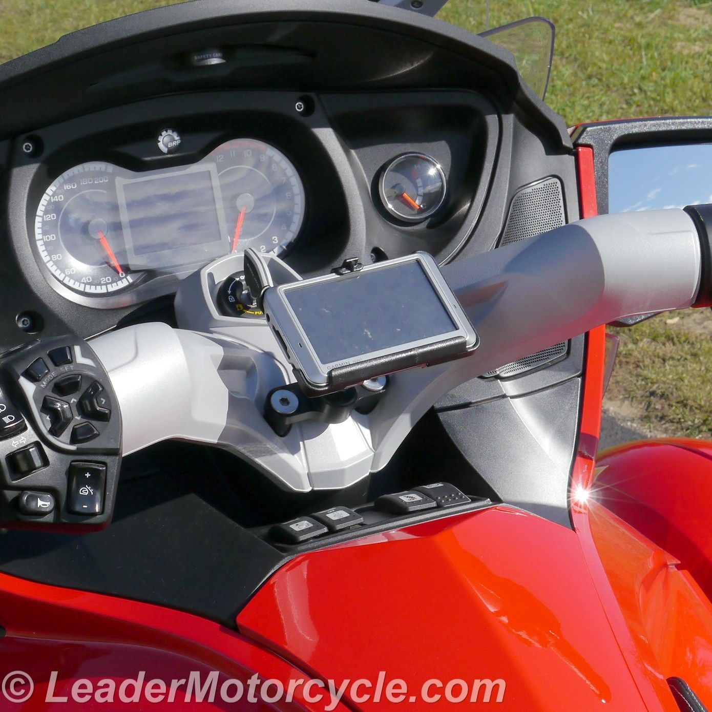 This is the eCaddy Diamond for the Can-Am Spyder (center mount). Works best with Garmin Nuvi and some TomTom GPS.