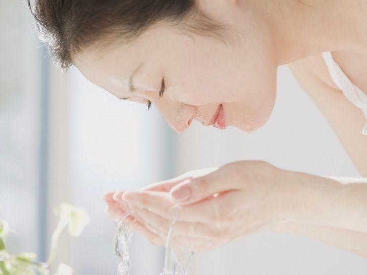 Bí quyết chăm sóc da khi căng thẳng  Căng thẳng – Stress gây phản ứng háo học trong cơ thể khiến da nhạy cảm hơn. Nó còn khiến da khó phục hồi sau tổn thương hơn.