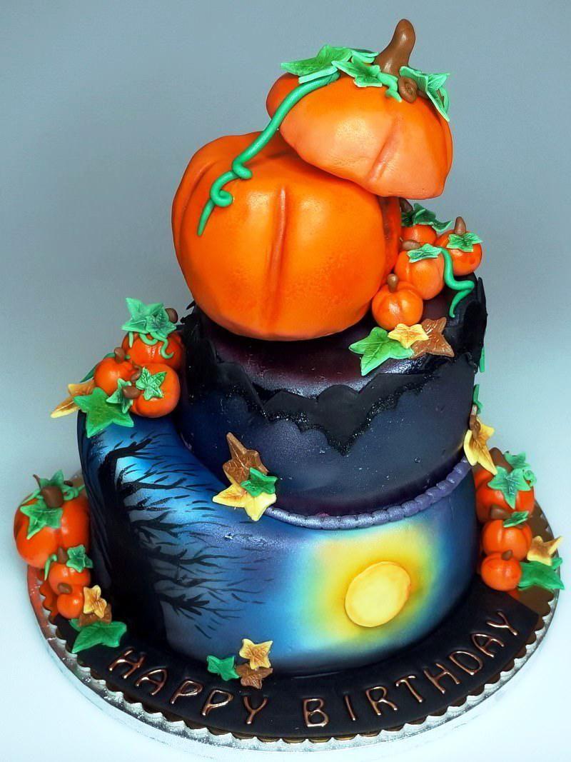 HalloweenBirthdayCakesForAdultsjpg 8001067 Halloween