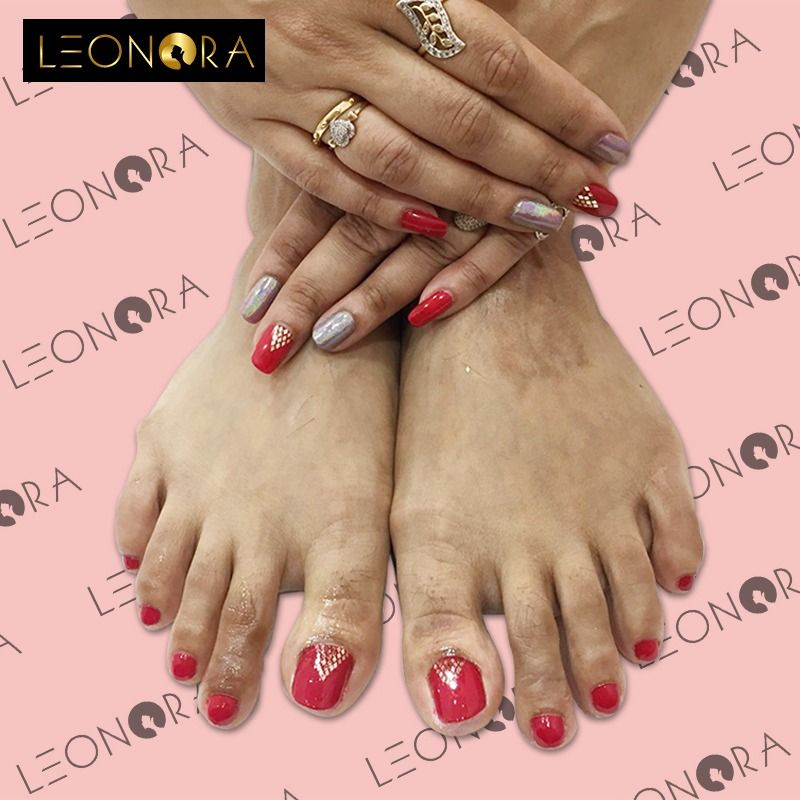 Beautiful Nails Don T Happen By Chance They Happen By Appointment Book Yours Right Away Cal Fall Acrylic Nails New Years Nail Designs Holiday Nail Designs