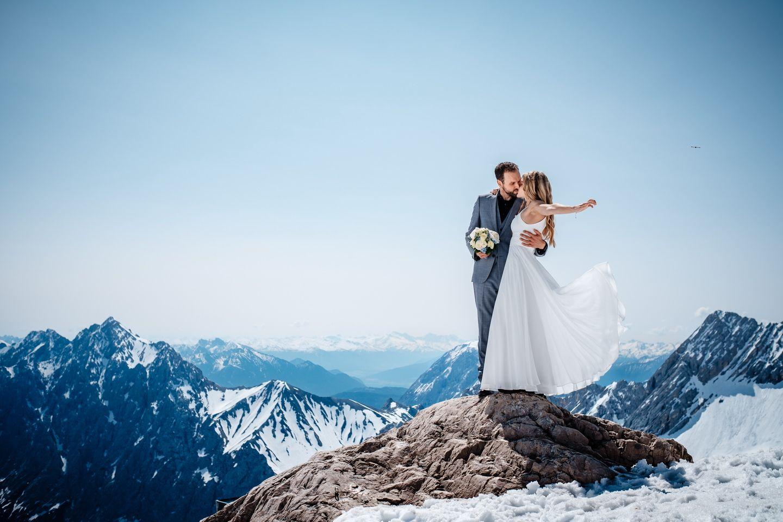 Hochzeitsfoto In Den Bergen Hochzeitsfotos Kosten Hochzeit Standesamtliche Hochzeit