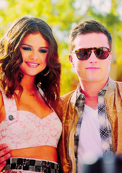 Selena Gomez aux Kids' Choice Awards 2012