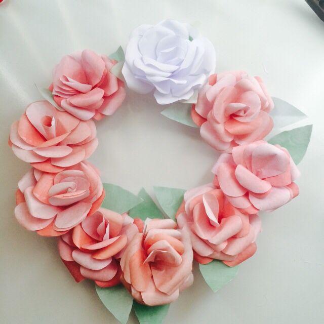 Minha primeira guirlanda de flores de papel Elinee