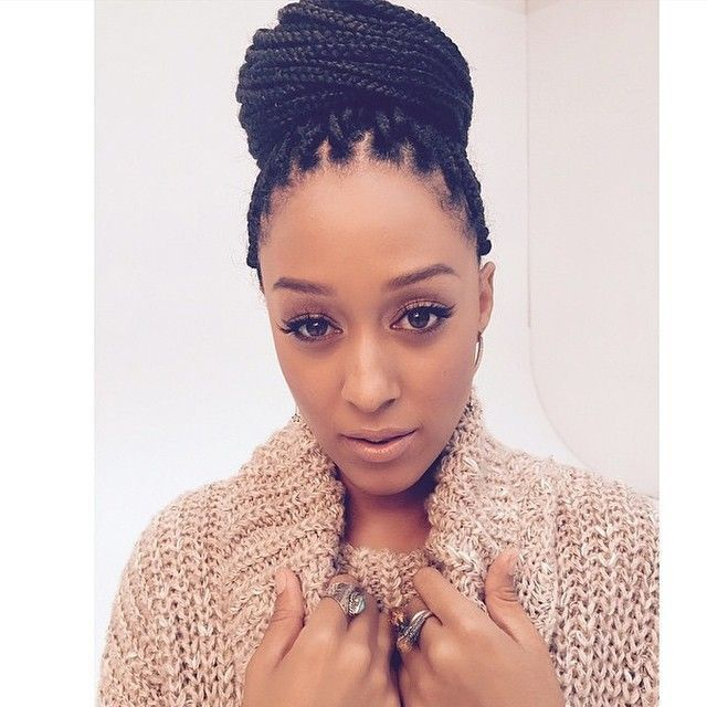 20 Natural Hair Styles That Are Professional For The Workplace Hair Styles Natural Hair Styles Box Braids Hairstyles