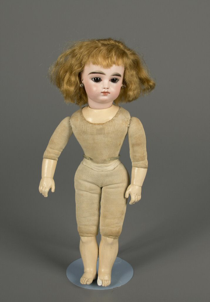 79.9281: doll | Dolls from the Nineteenth Century | Dolls | National Museum of Play Online Collections | The Strong