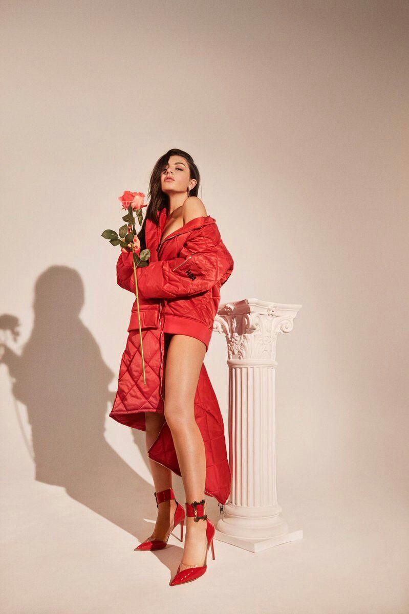 Number 1 Angel Mixtape Charli Xcx Charli Xcx Female Musicians Celebrity Updates