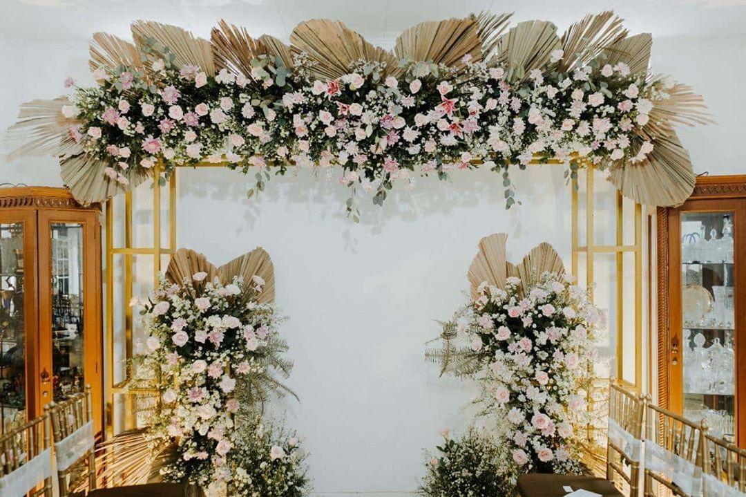 22 Likes 0 Comments Floral Designer Rusticcurated On Instagram Dekorasi Pernikahan Dekorasi Pernikahan Buatan Sendiri Dekorasi Perkawinan