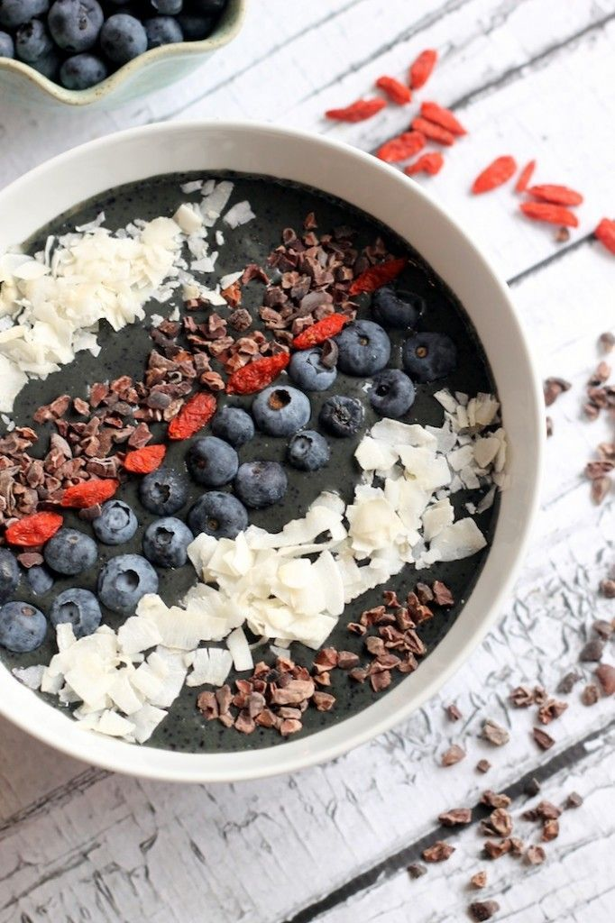 Need healthy recipe inspiration? Check out these 15 Superfood Bowl Recipes for different meal combinations for breakfast, lunch, and dinner! // Combine this with our detox tea. Get 10% off your order using our discount code 'Pinterest20' on www.stayleantea.com.au
