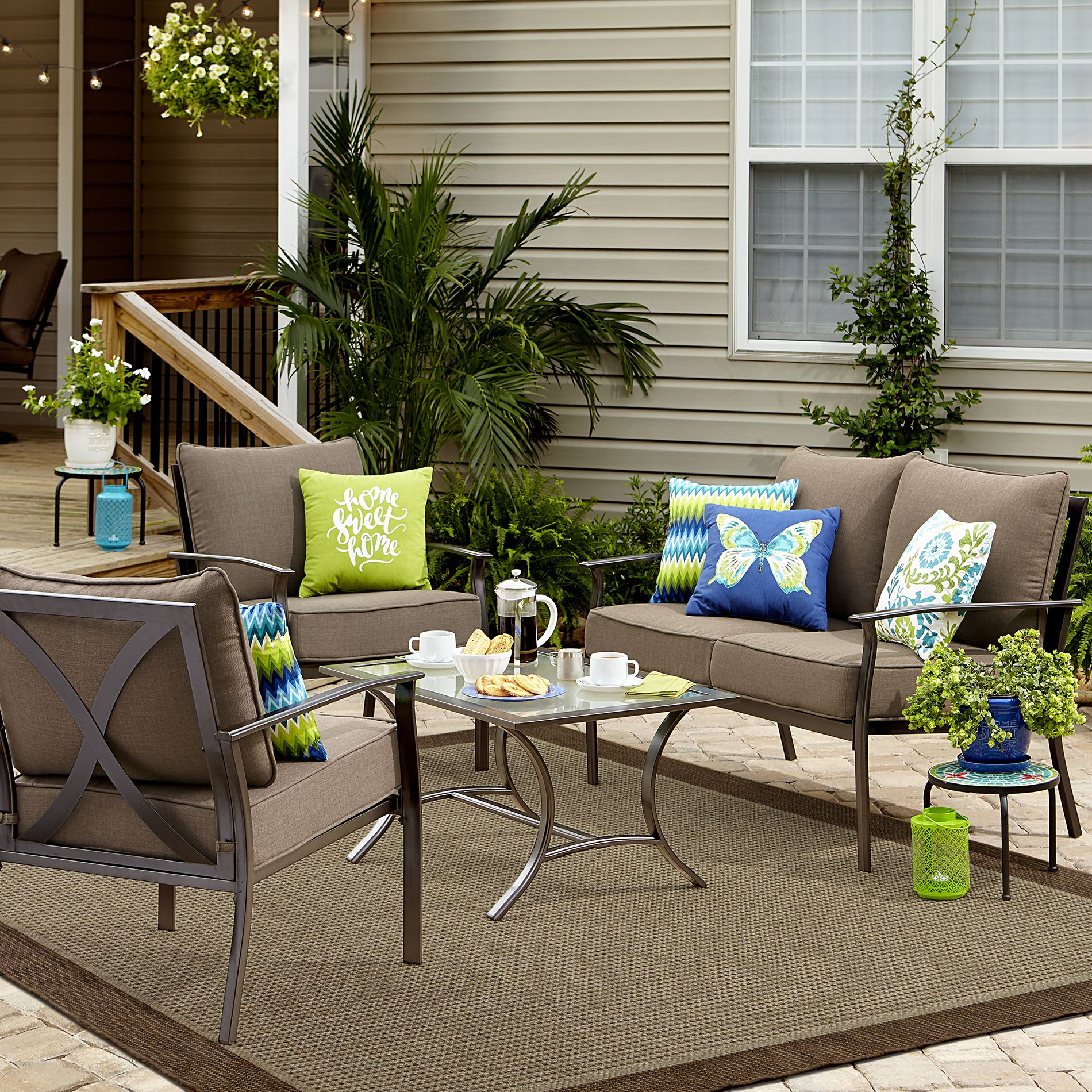 Give Your Backyard A Modern Upgrade With The Strong Carrollton 4 Piece Seating Set Mocha Br Modernize Outdoor