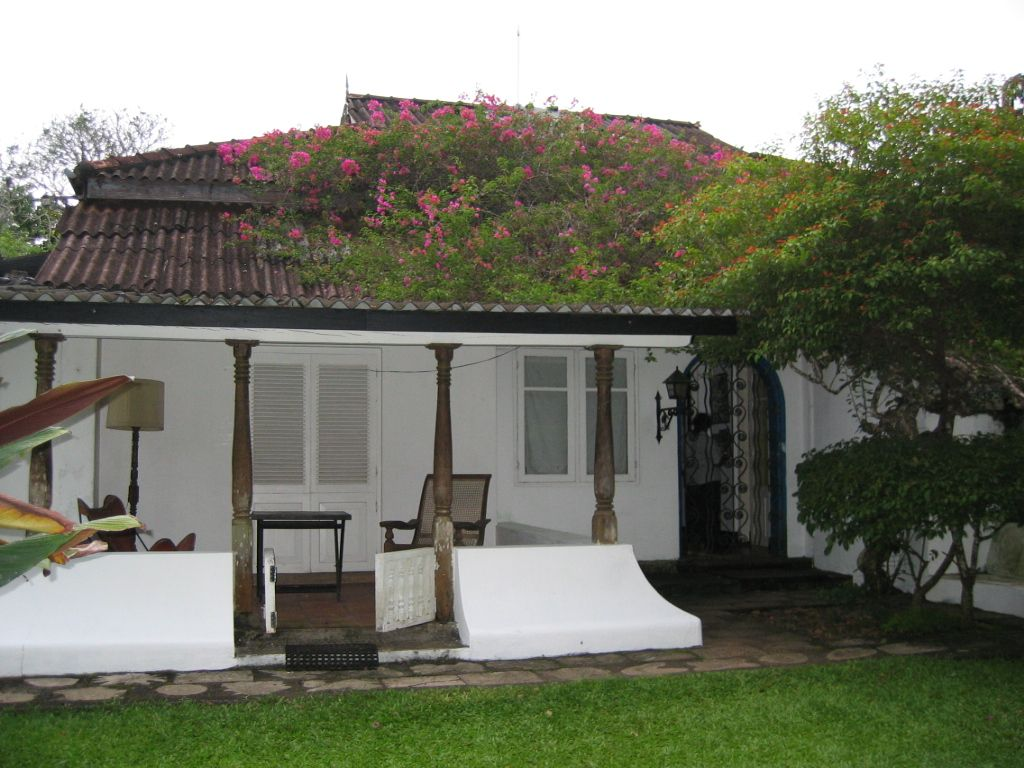 Geoffrey Bawa architect Facade house, Modern