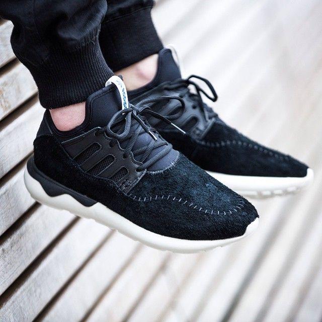 adidas tubular moc runner black 43einhalb sneaker. Black Bedroom Furniture Sets. Home Design Ideas