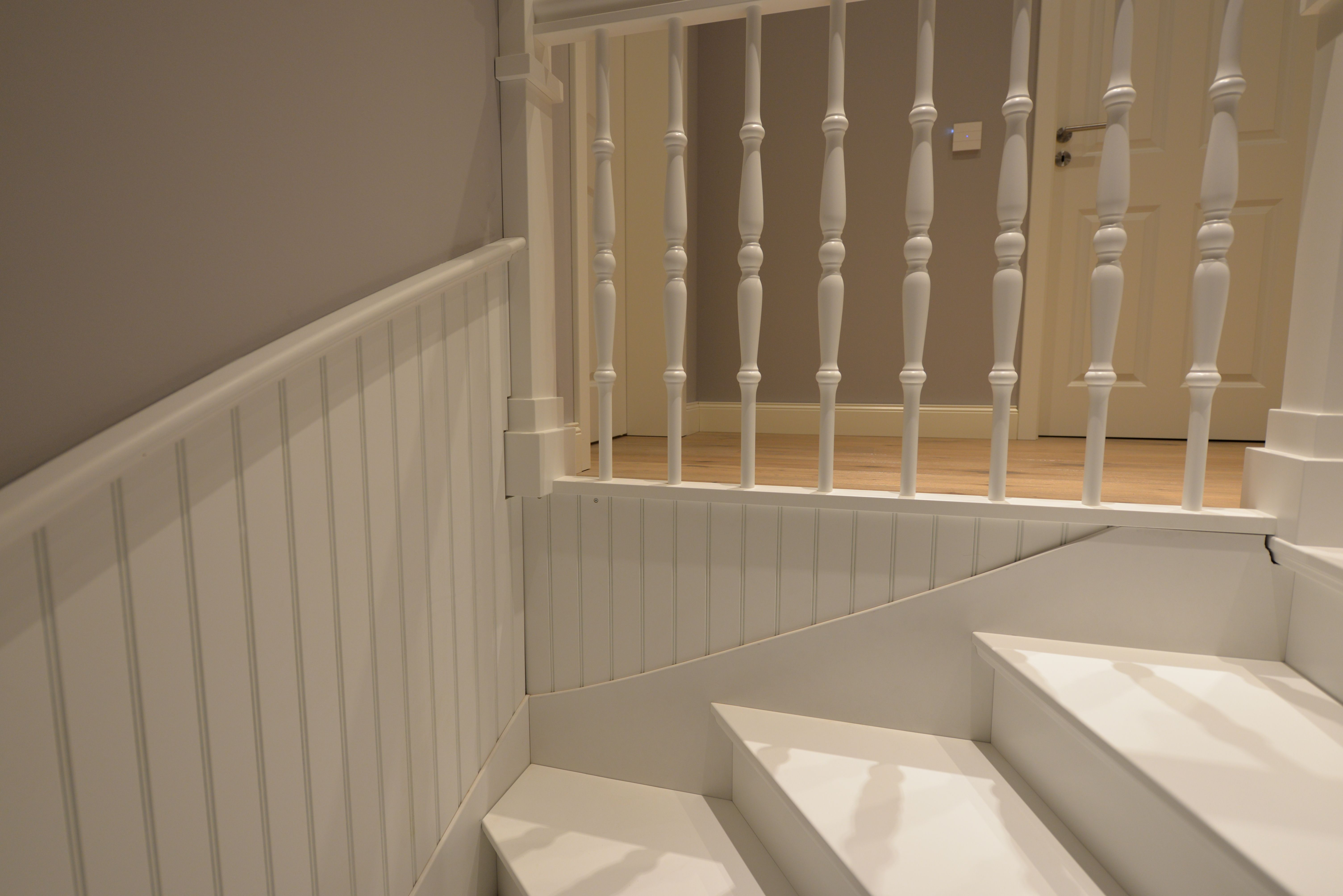 wandverkleidung holzpaneele treppenhaus treppenverkleidung holztreppe holzverkleidung schwedenhaus elevator
