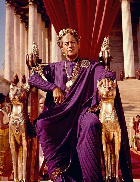 The Set Designs Of Cleopatra Elizabeth Taylor S Classic Movie Elizabeth Taylor Cleopatra Classic Hollywood