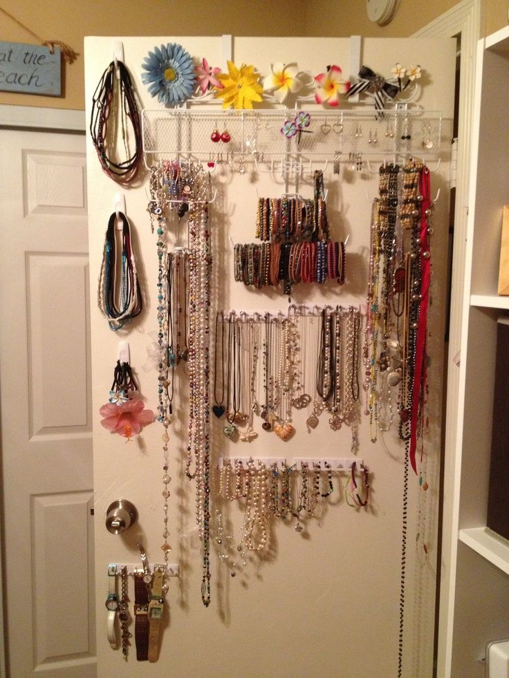 repurpose closet doors as jewelry rack Google Search DIY