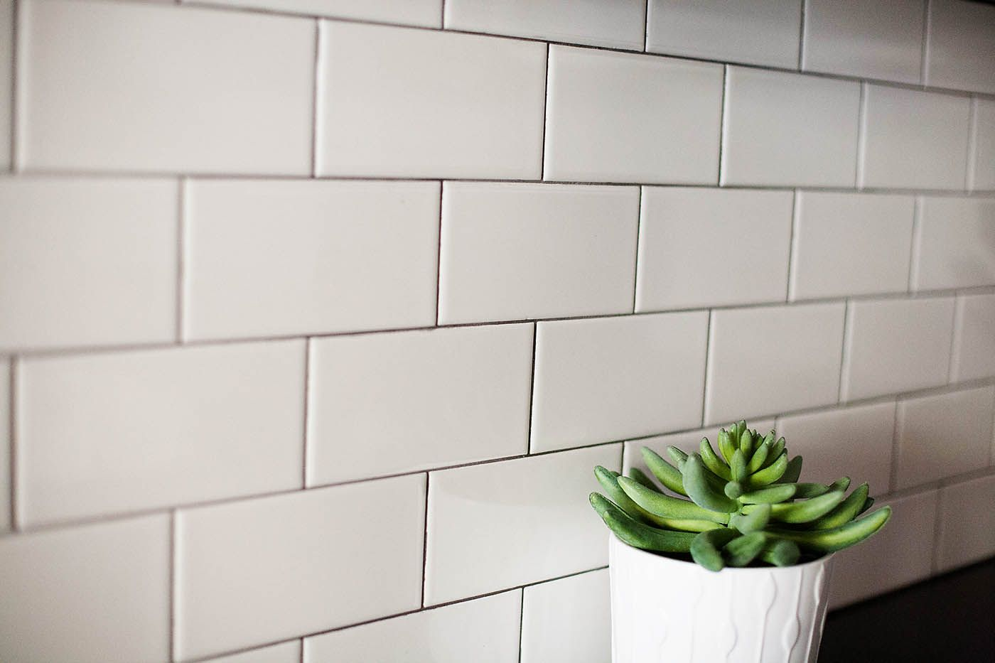 Subway tile backsplash with Mapei Charcoal grout | Kitchen ...