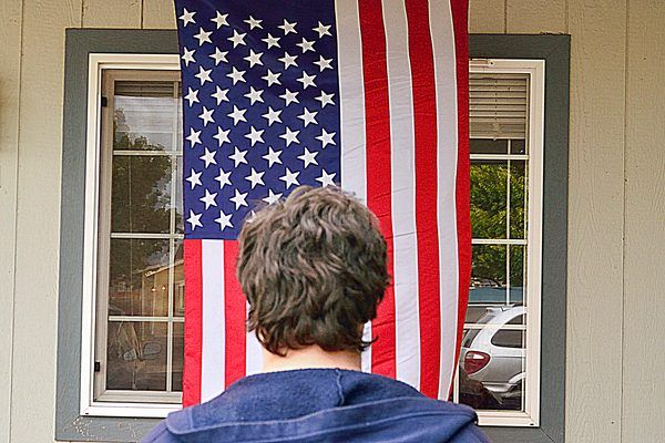 How To Hang An American Flag Vertically Ehow Hanging Flags Flag American Flag