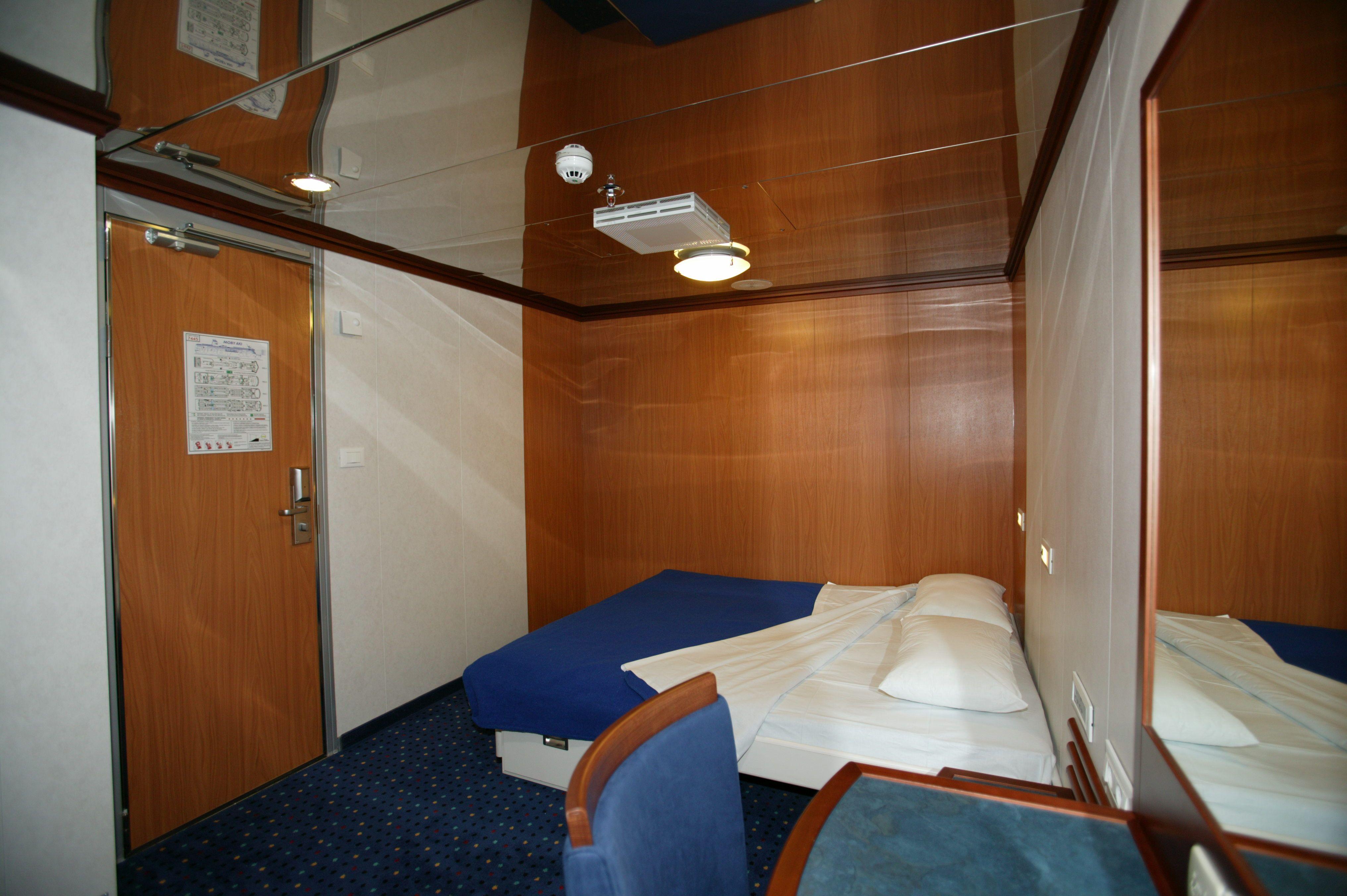 Non solo gli esterni ma anche gli interni hanno uno stile davvero unico I LooneyTunes ti ac pagnano per tutto il traghetto verso la Sargena …