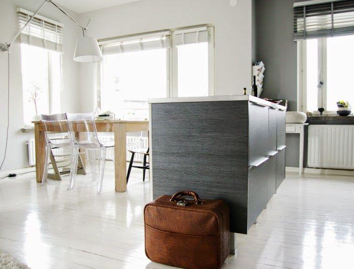 Tarja's Snowland, scandinavian kitchen, modern kitchen, grey kitchen, artemide tolomeo