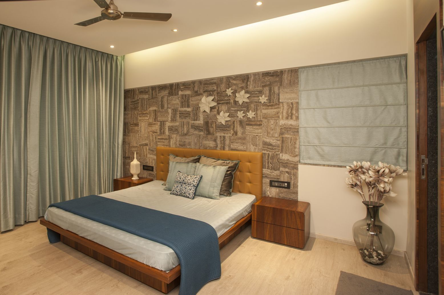Best View Of Bed Room Having Low Height Customized Bed With 640 x 480